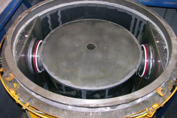 bottom of manhole base section mold