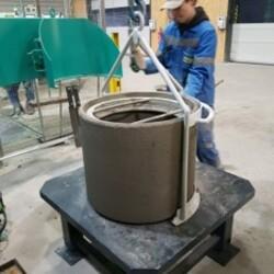 BFS concrete product gripper with Base Pallets