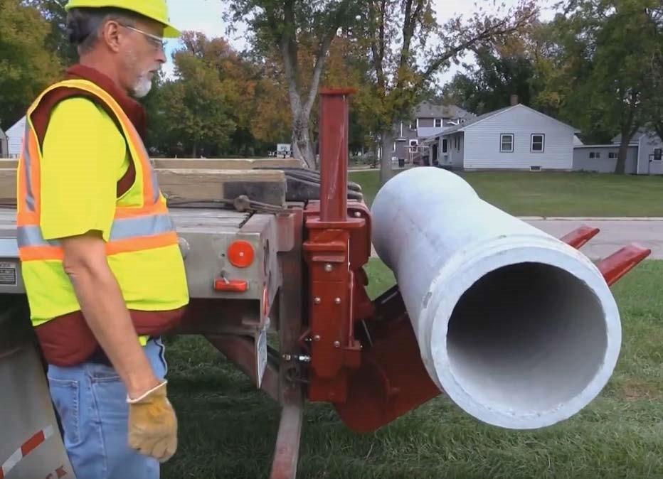 Pipemaster pipe unloader