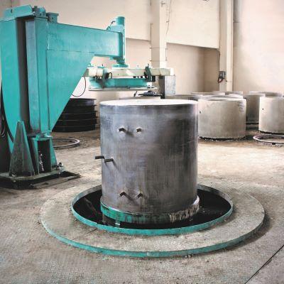 Universal Mold Equipment