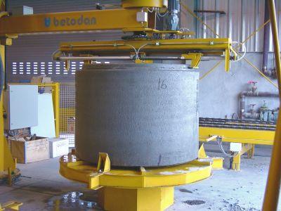manhole spigot measuring device