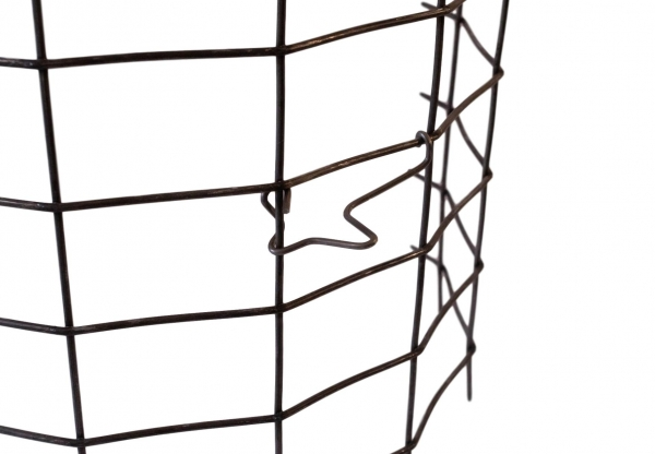 Twist-Lock spacer on cage