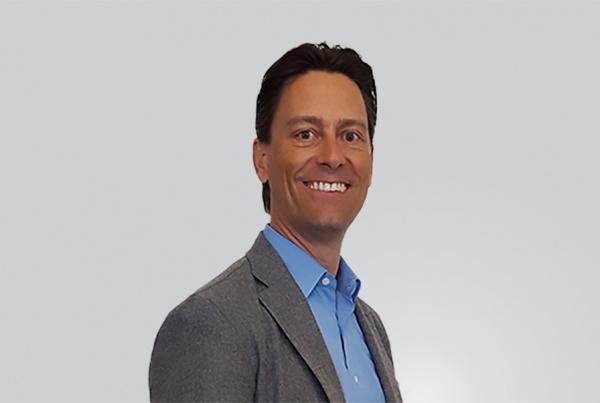 Daniel Buhler headshot